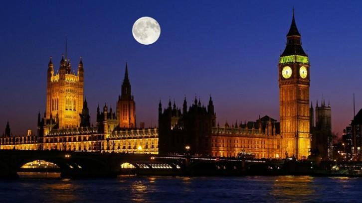 Le Royaume-Uni taxe les investisseurs immobiliers étangers