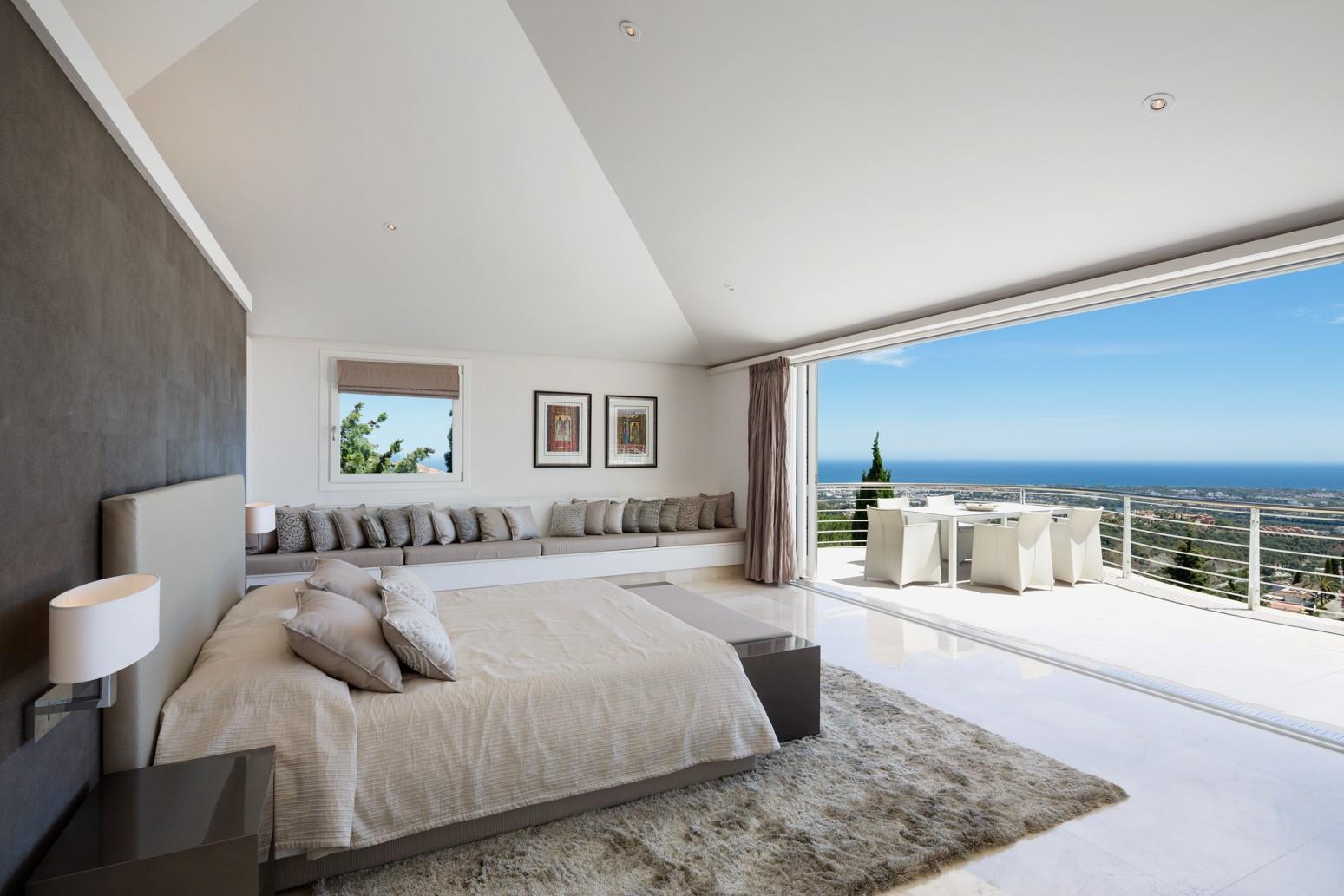 exclusive villa de luxe en vente au c ur de marbella. Black Bedroom Furniture Sets. Home Design Ideas