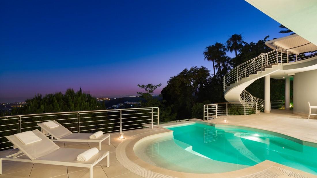 propri t s de luxe villas d 39 poque demeures historiques et biens immobiliers exclusifs. Black Bedroom Furniture Sets. Home Design Ideas