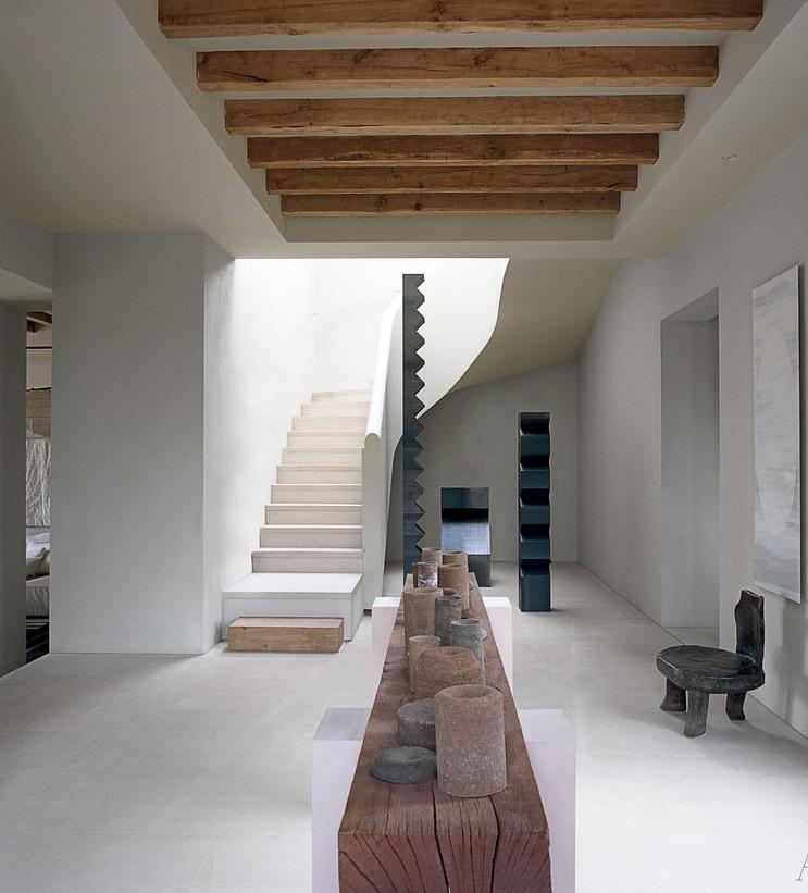 Décoration minimaliste de luxe à Ibiza