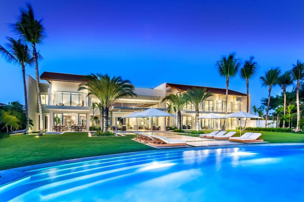 Le luxe et l'extraordinaire beauté de quatre résidences de rêve.